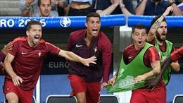 """Ronaldo, vận may và """"phong cách Hy Lạp 2004"""""""