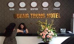 Phạt khách sạn Trung tự gắn biển 3 sao, không niêm yết giá