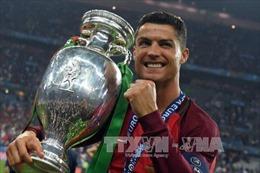"""Ronaldo thống trị thế giới """"ảo"""""""