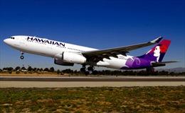 Máy bay nổ lốp, sân bay Nhật Bản đóng cửa đường băng
