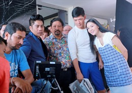 Đạo diễn nổi tiếng Bollywood gốc Việt về nước làm phim