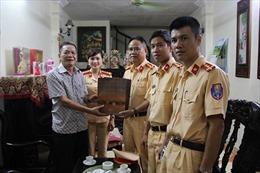 Cảnh sát Giao thông Hà Nội thăm hỏi nhân ngày 27/7