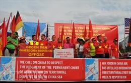 Người Việt tại Đức mít tinh hoan nghênh phán quyết của PCA