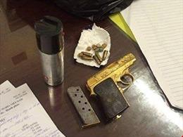 Hà Nội: Tạm giữ đối tượng tàng trữ súng quân dụng