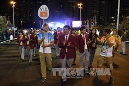 Cờ Việt Nam tung bay tại làng Olympic