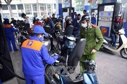 Giá xăng giảm tiếp hơn 600 đồng/lít