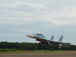 Su-30MK2 lại tung cánh bảo vệ bầu trời Tổ quốc