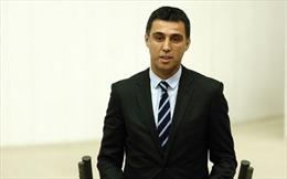 Thổ Nhĩ Kỳ phát lệnh bắt giữ cựu danh thủ Hakan Sukur
