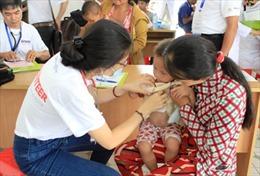 Phẫu thuật nụ cười cho 100 trẻ em miền Tây