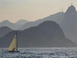 Vớt chân người trên đường đua Olympic Rio