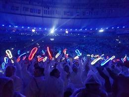 Giày tuyển Anh bừng sáng trong đêm bế mạc Olympic