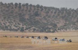 Thêm nhiều xe tăng Thổ Nhĩ Kỳ tiến vào miền Bắc Syria