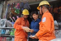 Tuyên truyền người dân cùng bảo vệ lưới điện