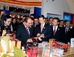 Thủ tướng dự lễ khai trương Khu gian hàng quốc gia danh dự