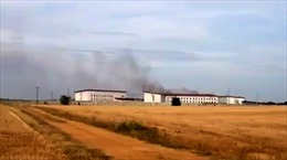Tù nhân vượt ngục, đốt phá nhà tù Pháp