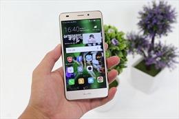 """""""Hụt hơi"""" chạy theo giới trẻ để cạnh tranh thị phần smartphone"""