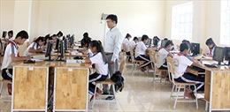 Sóc Trăng: Học sinh ngồi nhầm lớp, điều chuyển giáo viên khó hiểu
