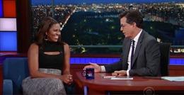 """Cười ngặt nghẽo nghe bà Obama """"buôn chuyện"""" về chồng trên truyền hình"""
