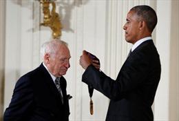 Tổng thống Obama trao huy chương cho nghệ sĩ xuất sắc