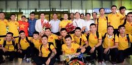 Người hâm mộ hân hoan chào đón tuyển Futsal Việt Nam