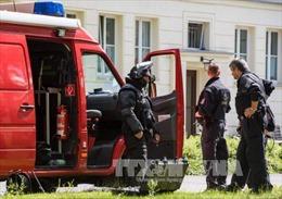 Hàng trăm cảnh sát Đức truy lùng một nghi can khủng bố