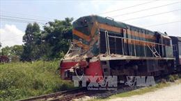 Băng qua đường sắt, lái xe ôm bị tàu hỏa đâm tử vong