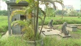 Nhiều lăng đá cổ ở Hà Nội bị lãng quên