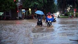 Nam Bộ mưa lớn, TP.HCM nguy cơ ngập úng