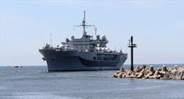 """Nga """"khoá"""" chặt Hạm đội 6 Mỹ vừa vào Biển Đen"""