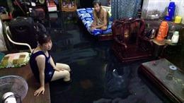 TP Hồ Chí Minh lại ngập nặng do triều cường và mưa lớn