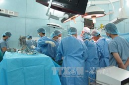Phẫu thuật nội soi lấy sỏi thận qua da