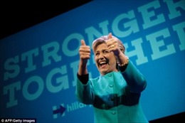 Đặt cược bà Clinton thắng cử, người chơi lĩnh trước cả triệu USD