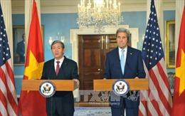 Đồng chí Đinh Thế Huynh hội đàm với Ngoại trưởng Hoa Kỳ John Kerry