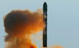 """Báo """"lá cải"""" phương Tây hù dọa độc giả bằng tên lửa mới của Nga"""