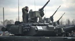 """Choáng với chiến xa Nga """"nồi đồng cối đá"""" và xe tăng Mỹ mong manh"""