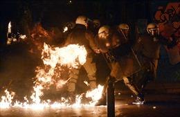 Hy Lạp: Bom xăng bùng bùng ngày Tổng thống Obama đến thăm