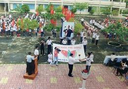 """Thầy giáo xung phong ra Côn Đảo """"trồng người"""""""