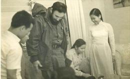 Chuyện về người phụ nữ Việt hướng dẫn Tổng tư lệnh Fidel Castro đi dép râu