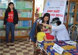 700 trẻ em An Giang được khám, chăm sóc mắt