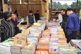 Bộ Giáo dục và Đào tạo không phát hành tài liệu hướng dẫn ôn tập thi