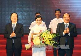 Thủ tướng dự lễ tuyên dương học sinh đạt thành tích cao