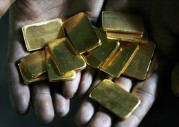 Giá vàng thế giới giảm xuống thấp nhất 10 tháng rưỡi