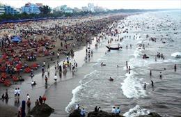 Thị xã Sầm Sơn đón hơn 4 triệu lượt du khách trong năm 2016