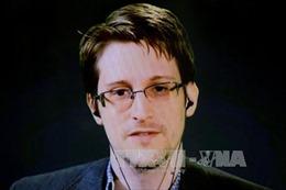 Mỹ xác định Snowden tiếp tục liên lạc với tình báo Nga