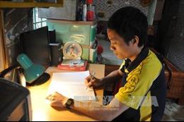 Thầy giáo trẻ với tác phẩm lịch sử thế giới bằng thơ lục bát dài nhất Việt Nam