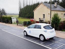 Con đường năng lượng mặt trời đầu tiên đi vào hoạt động
