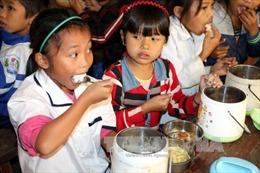 Xã hội hóa bữa ăn bán trú cho học sinh miền núi