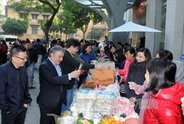 Rộn ràng Hội chợ Thanh niên Thông tấn xã Việt Nam