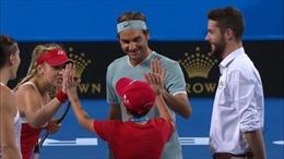 Người hùng Roger Federer khiến khán giả Hopman Cup hết khóc lại cười