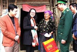 Ban Chỉ đạo Tây Bắc thăm, tặng quà Tết đồng bào, chiến sĩ Hà Giang